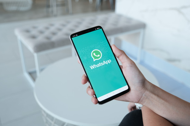 ¿Por qué usar WhatsApp Business en mi clínica dental?